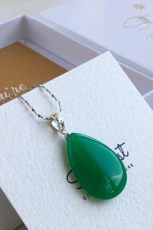 Natural green jade pendant woman