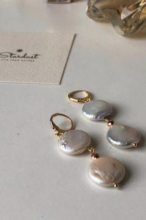 Double flat pearl earrings