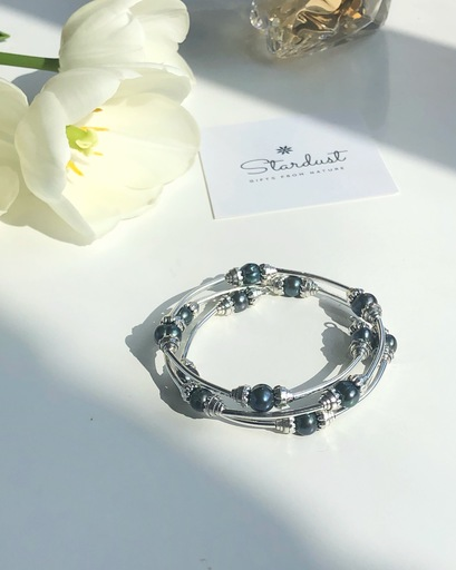Black pearl wire bracelet