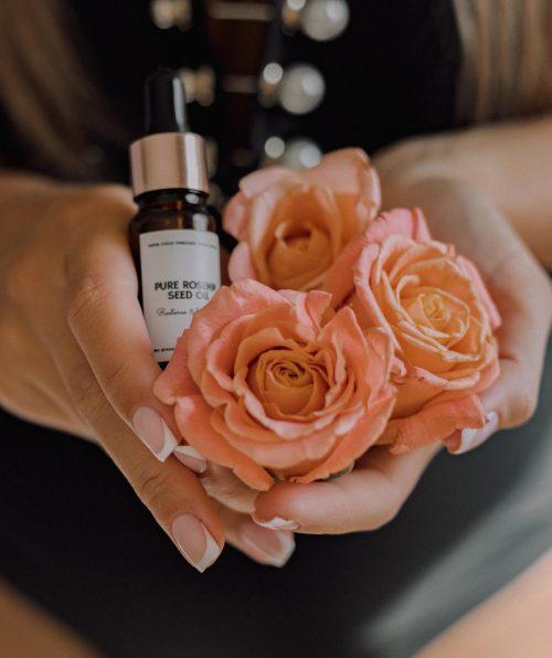 Luxury rosehip oil face serum