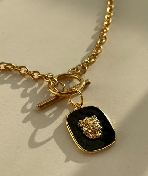 Luxury gold necklace