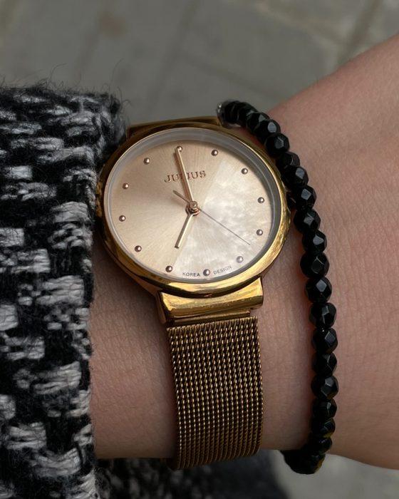Chic black beaded bracelet for her