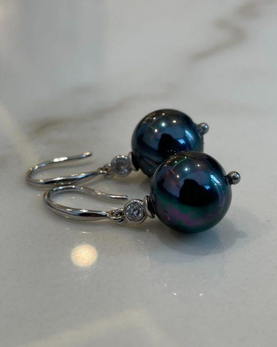 Luxury Black pearl earrings