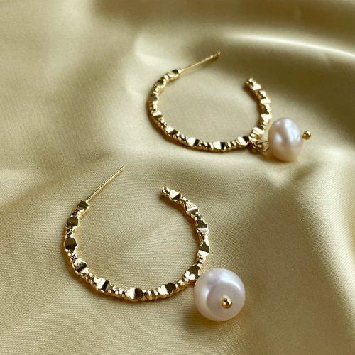 Luxury Hoop pearl earrings