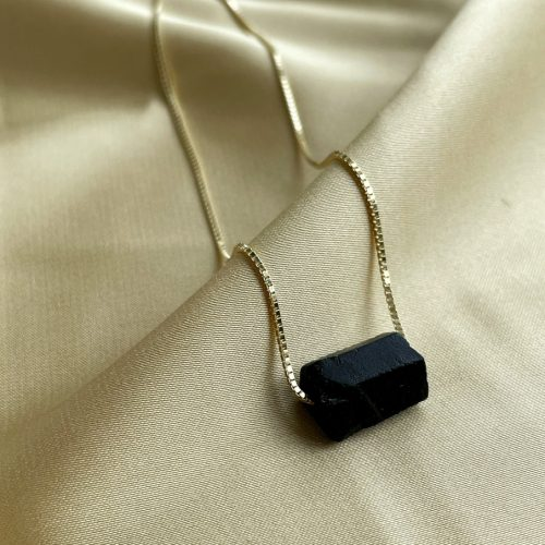 Tender gold chain shungite necklace